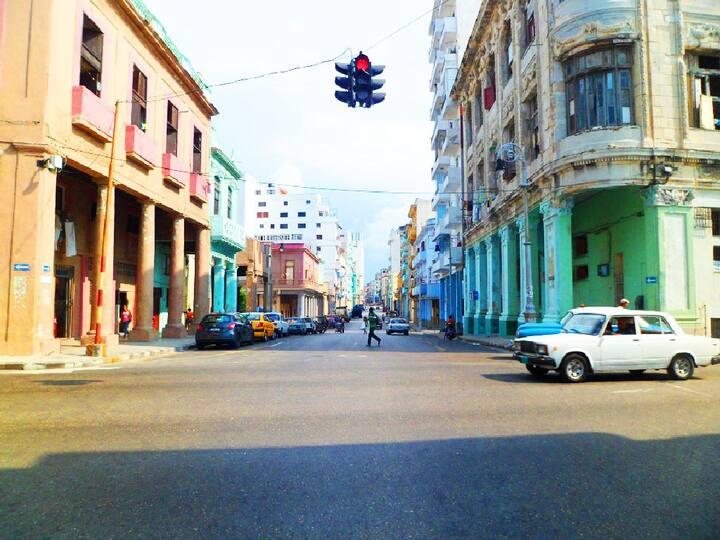 Lindo apartamento en Malecón Habana