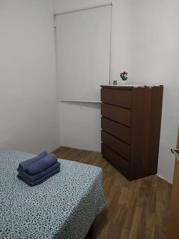 Habitación acogedora zona conveniente