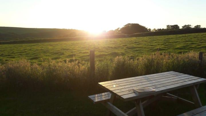 Peaceful countryside getaway!