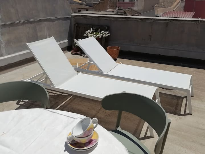 Apartment with terrace at 10 min walk from Ortigia