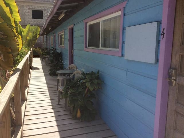 Cute Condo with AC in Center Caye Caulker - Caye Caulker - Apartment