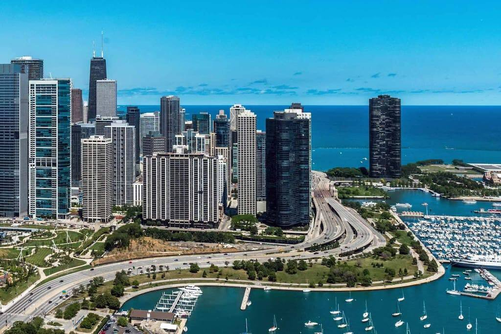 Luxury stay in millennium park with beautiful view for Where to stay in chicago