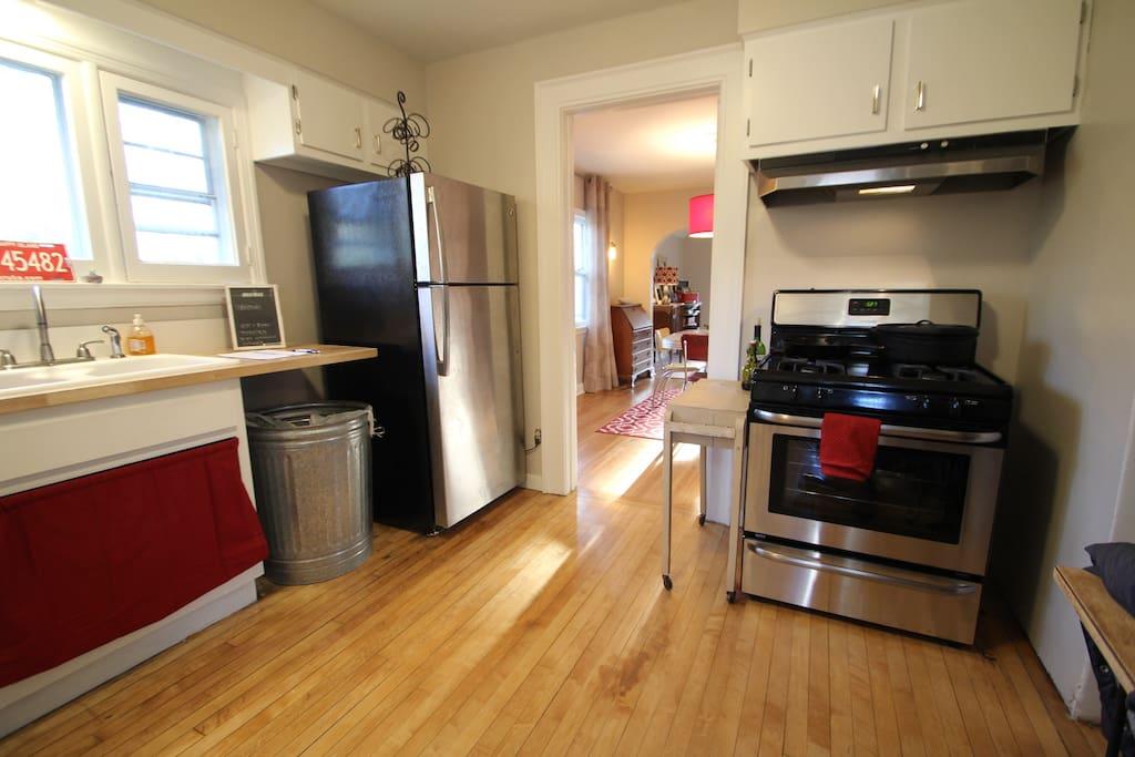 Full Kitchen & New Appliances