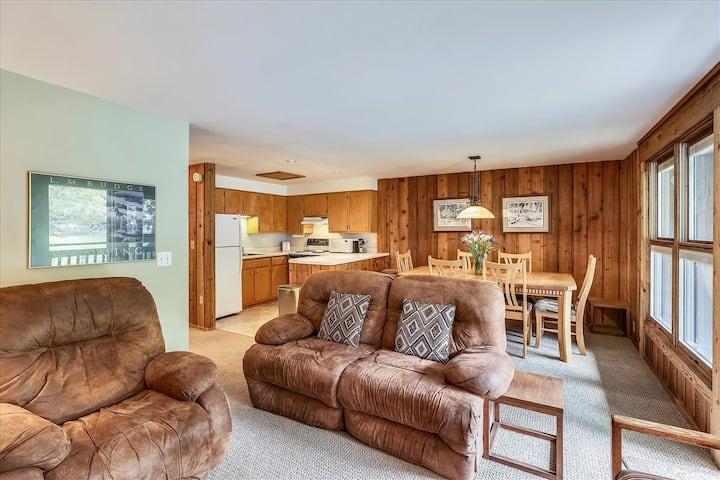 Rustic, affordable condo near Lift 1A