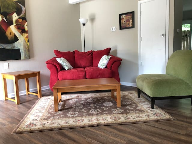 Sweet apartment in Central Columbia