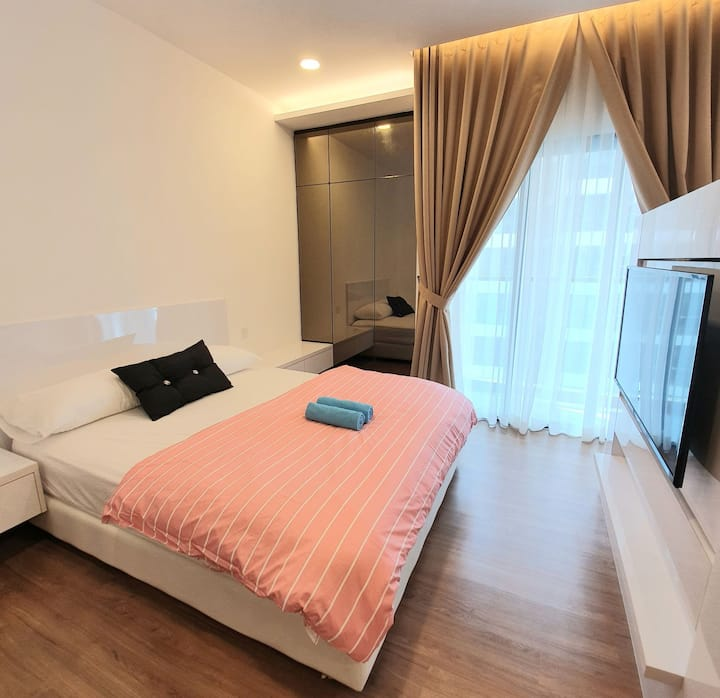 (8)Modern Homely Suite:Free Wifi,Parking & Netflix