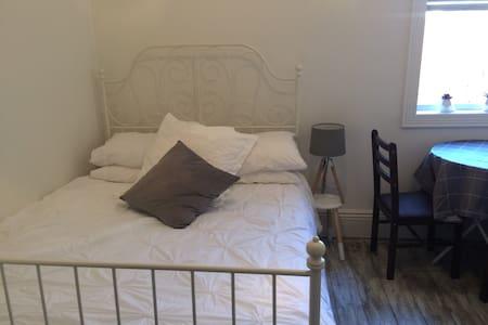 Fitzroy Apartment - Double Room