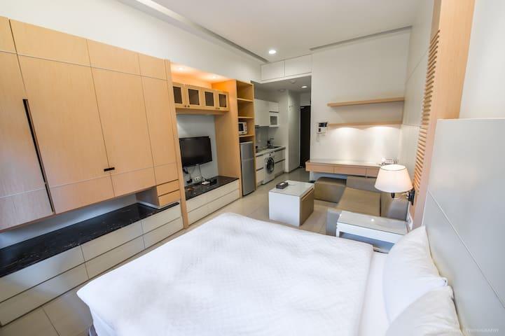 Deluxe classic apartment[305]