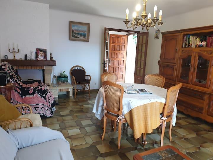 Corse du Sud  Beau F4 90 m2 logement entier