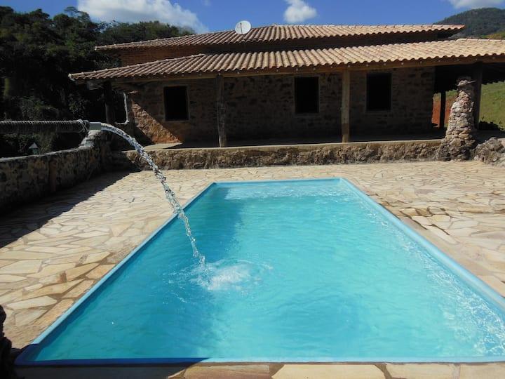 Casa de Pedra-Socorro-WIFI e Piscina c/aquec Solar