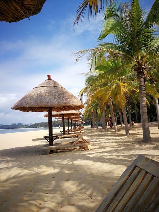 小区私家沙滩。