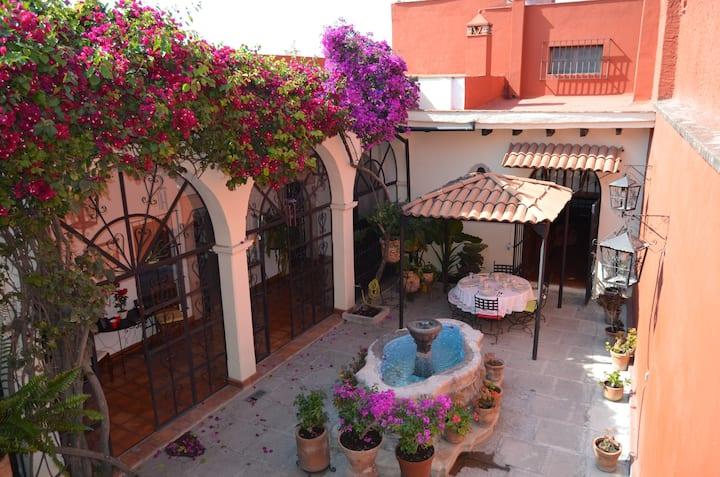 ¨Casa Quintana¨ Centro SMA Habitación ¨El Balcón¨