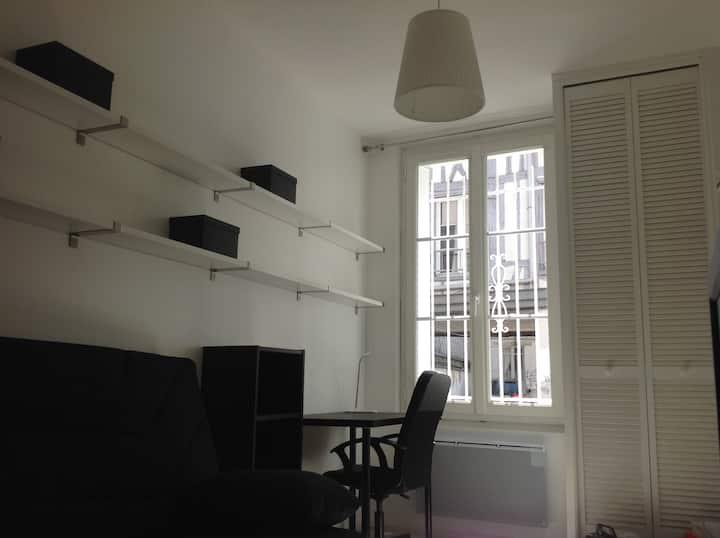 Studio entier centre de Rouen rive droite