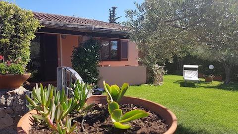 Beautiful three-room apart: pool, veranda, garden