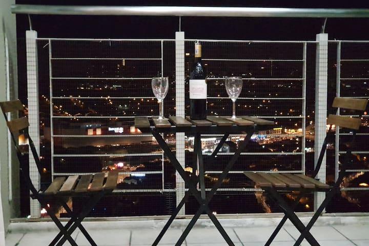 Premium location, Bangsar - KL; 1 min to hotspots