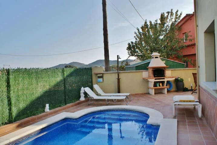 BEAUTIFUL HOUSE WITH PRIVATE POOL AND BARBECUE - Calonge - House