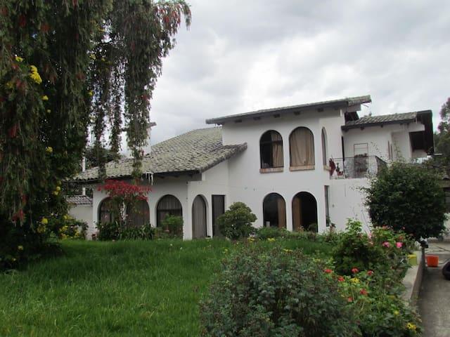 Rento Habitaciones en Cotacachi Ecuador