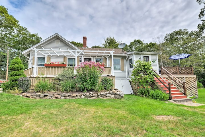 Charming East Boothbay Cottage w/ Large Yard!