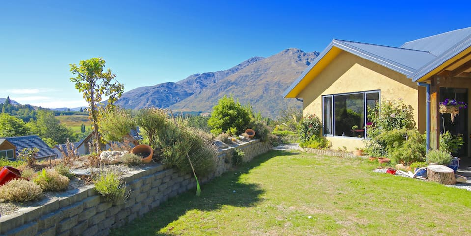 Cosy Private Studio,   (European Breakfast) - Queenstown - Bed & Breakfast