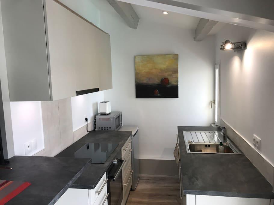 petit loft design sur le vieux port flats for rent in la rochelle nouvelle aquitaine france. Black Bedroom Furniture Sets. Home Design Ideas