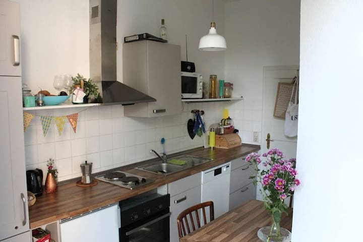 Creative, cozy home in Cologne-Nippes!
