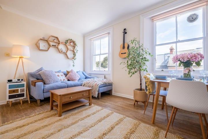 Peaceful & pretty apartment near the beach