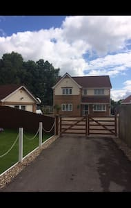 Spacious room near Cardiff - Caerphilly - Bed & Breakfast