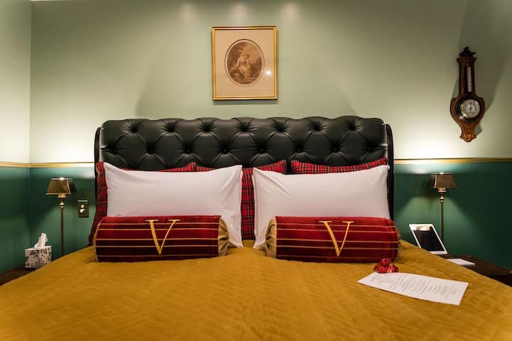 Victorian Room Overnighter
