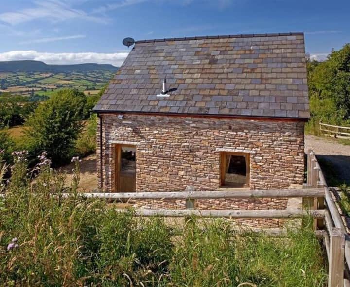 Quizzer Barn - Sleeps 4, Cosy Countryside Hideaway