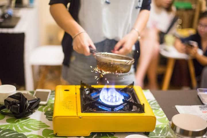 正在烘焙过程中的咖啡豆