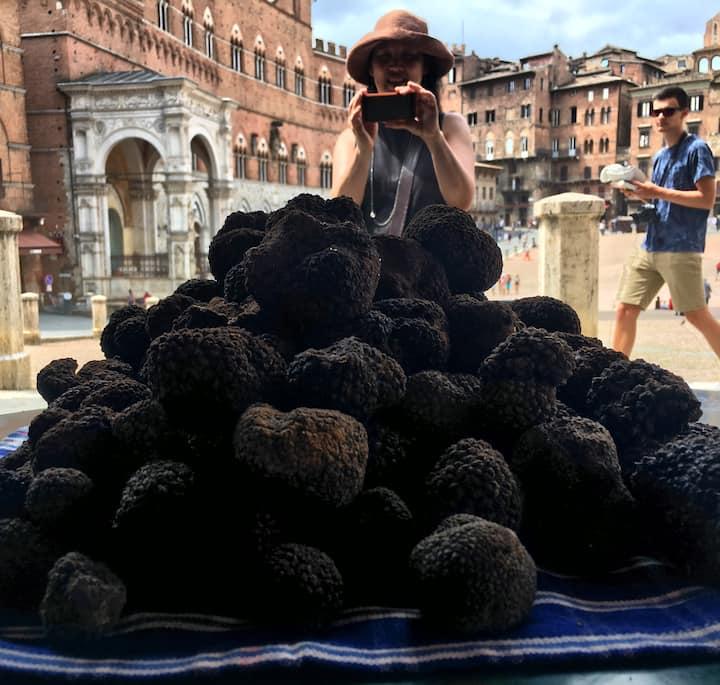 black truffle in my shop Siena Tartufi