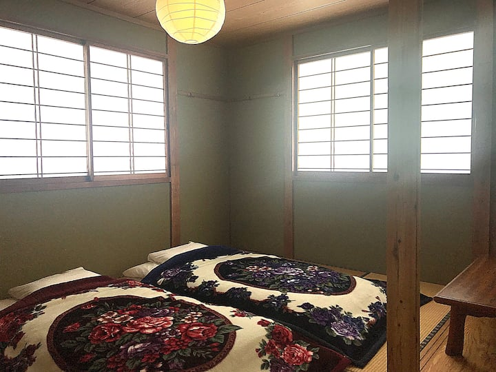 Japow House Myoko Private Twin share tatami
