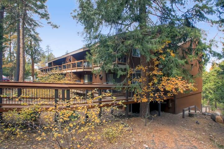 Yosemite West Loft Condo B208