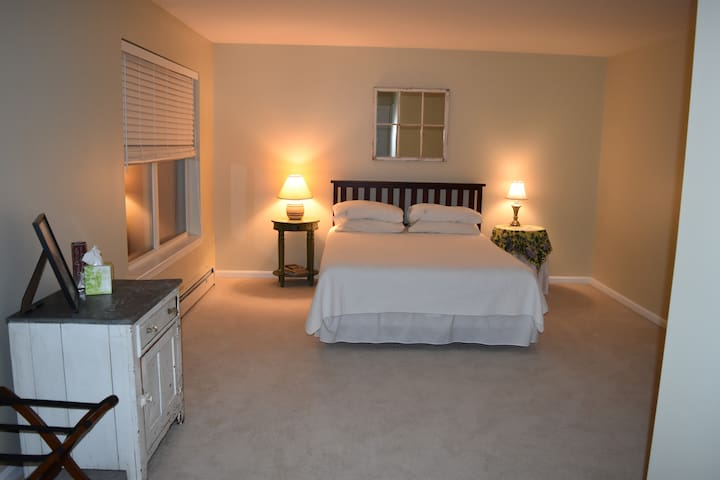 Sunny Kennebunk Guest Room