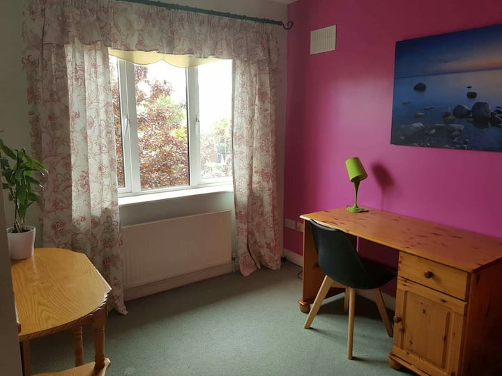 Lovely room with garden view and FREE parking