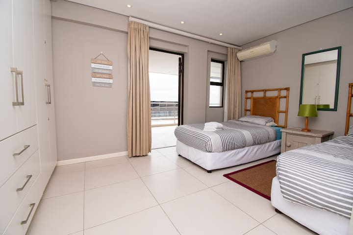2nd Bedroom that opens onto the balcony