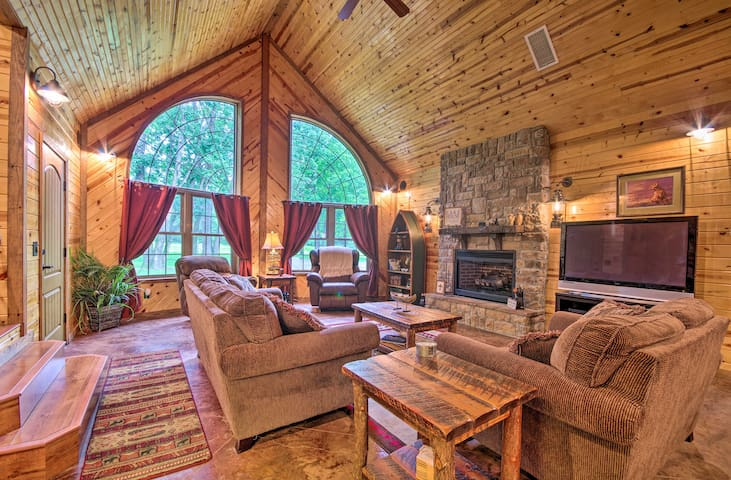 Spacious Family Home w/ Fire Pit on Norfork Lake!
