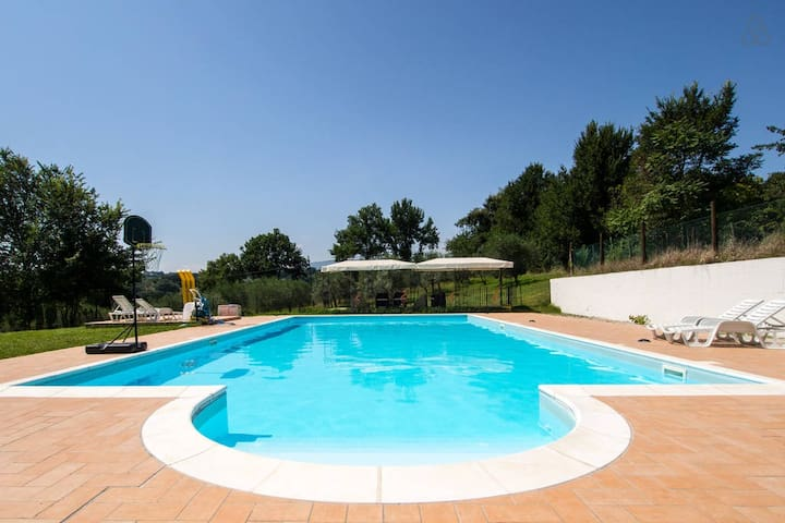 House - 100 km from the beach - Spoleto - Huis