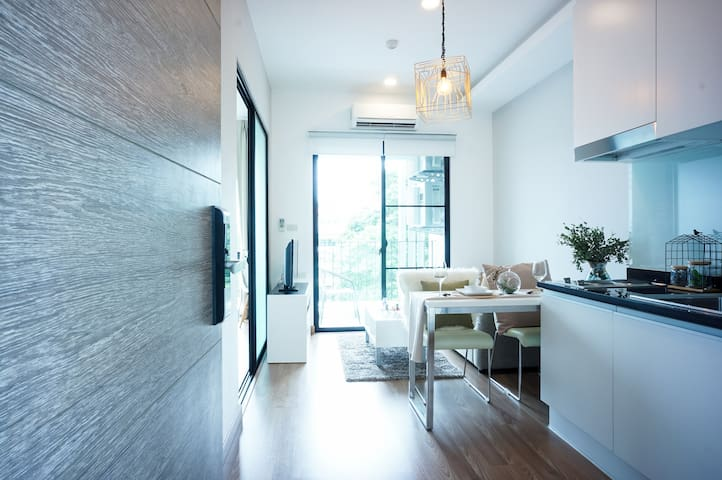 New! Apartment  in the central of Nimman Road