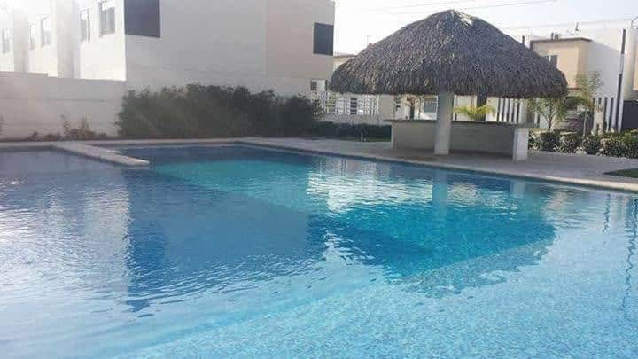 Casa en Apodaca, colonia Dream lagoons, piscina