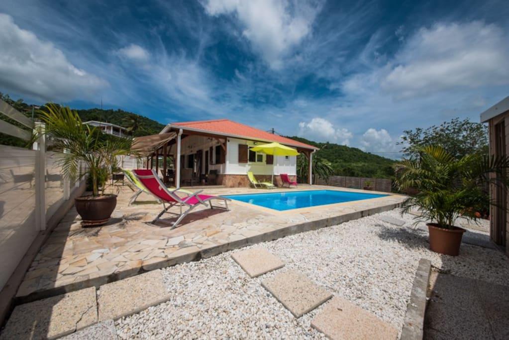 Villa sohalia avec piscine maisons louer le diamant for Villa piscine martinique