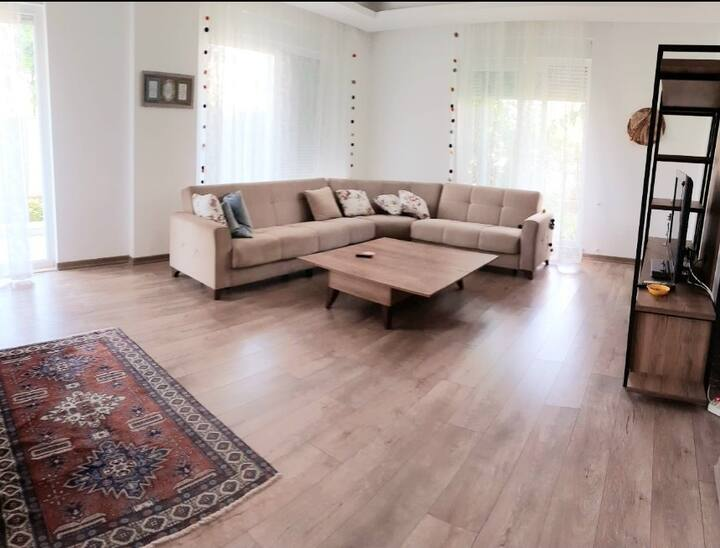 New apartment close to beach and waterfalls!