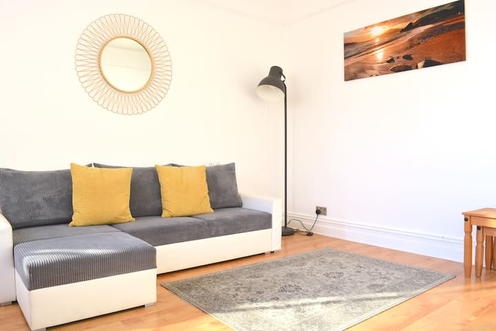 Stunning Victorian 2 Bed Nr Hove Beach & Station