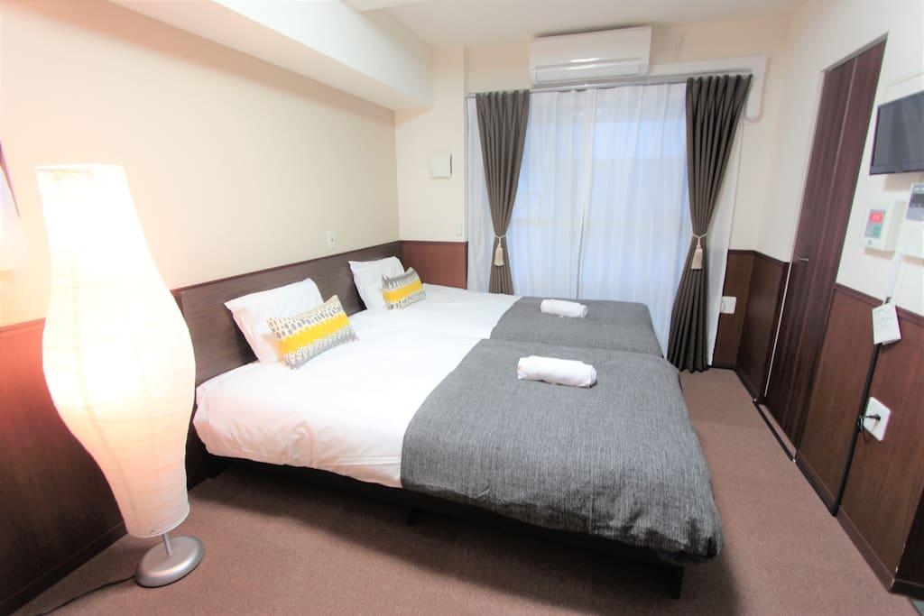 Two single bed 兩張單人床