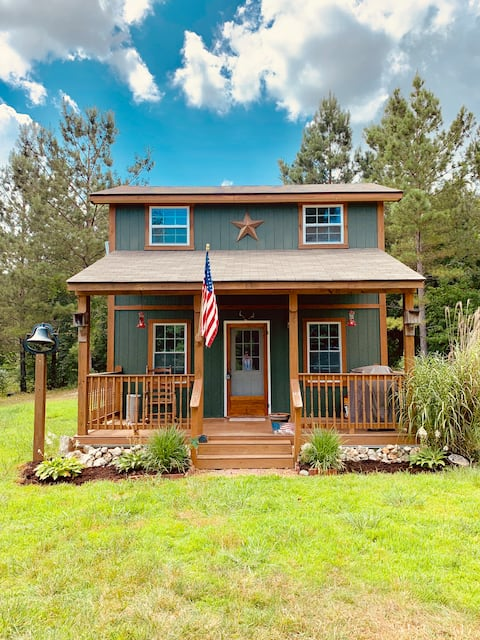 Great value! Cozy cabin sleeps 6+ on 20 acres!