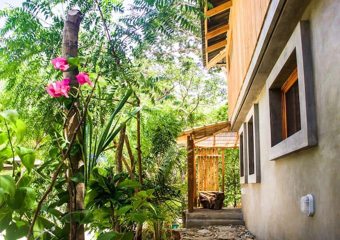 Casa Dunia - Casita Jardin - Playa Maderas - Rumah