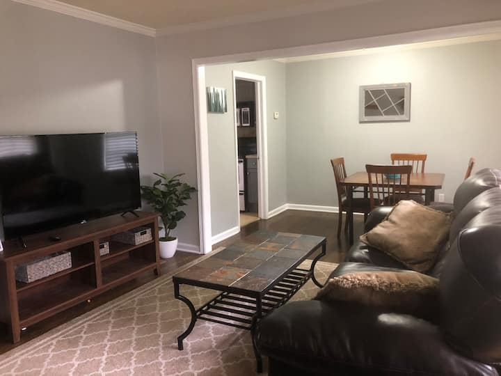 Whole home walking distance to Smyrna Marketplace