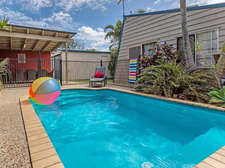 Available - 1 min SLSC beach, Pets, AC, Free Wifi