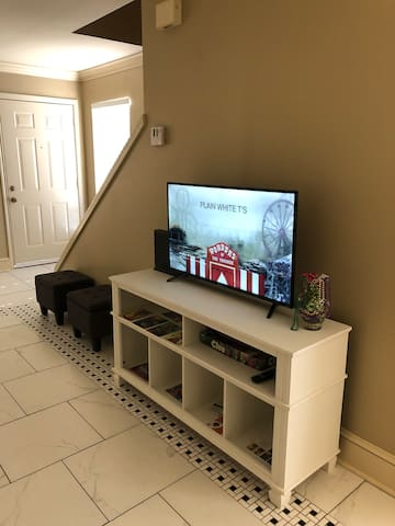Netflix & chill, unwind from your adventures, or connect with your travel companions in comfort and style. (Roku streams Netflix and many other channels.)