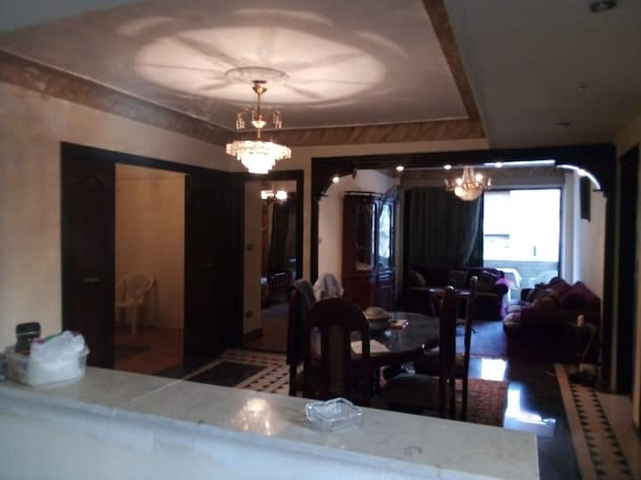 French Teacher shares his nice apartment in Alex